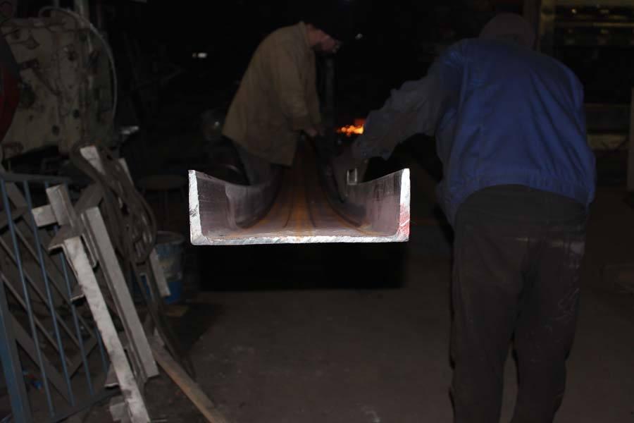 Гибка (вальцовка) швеллера